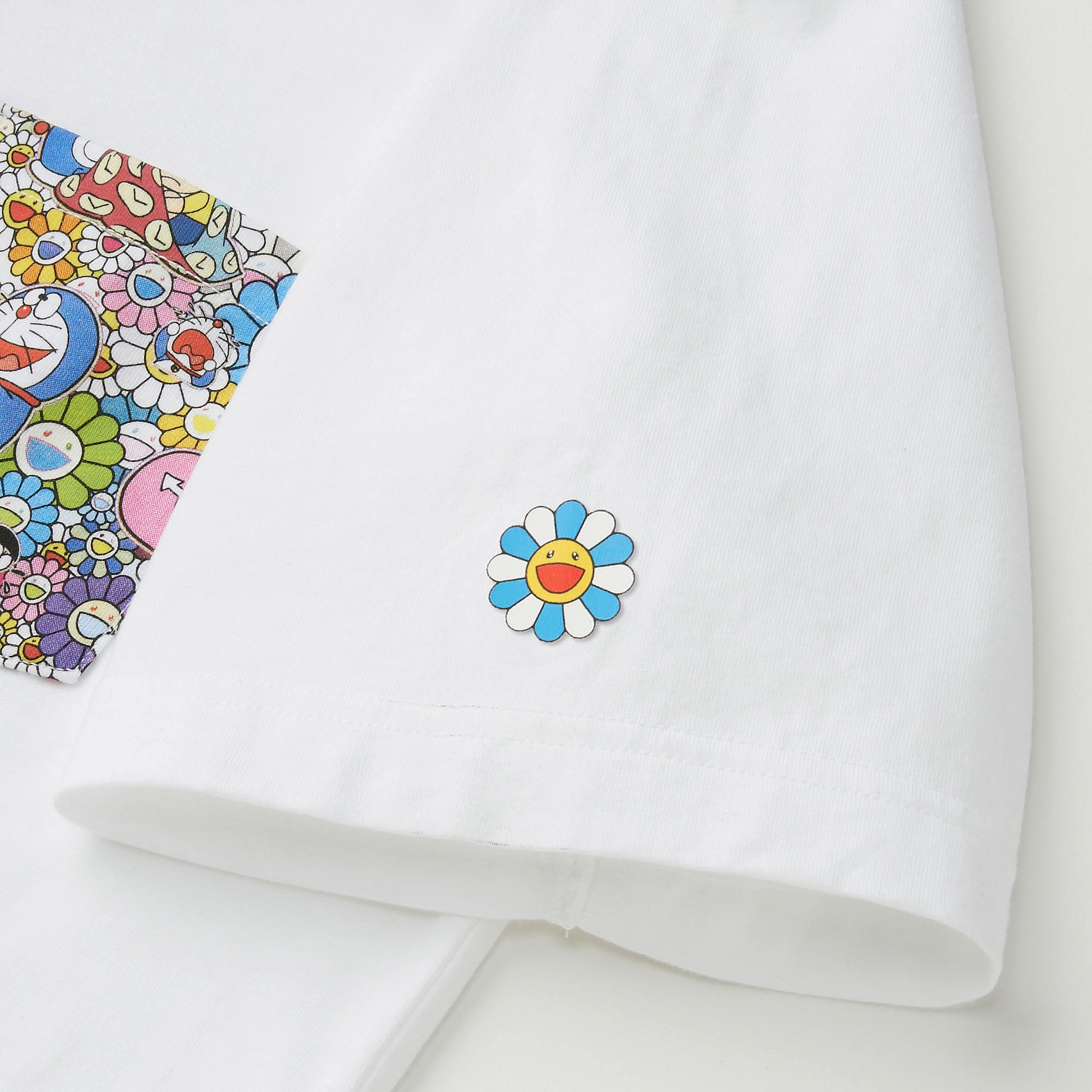 a0231dcd Uniqlo DORAEMON X TAKASHI MURAKAMI SHORT SLEEVE GRAPHIC T-SHIRT at ...
