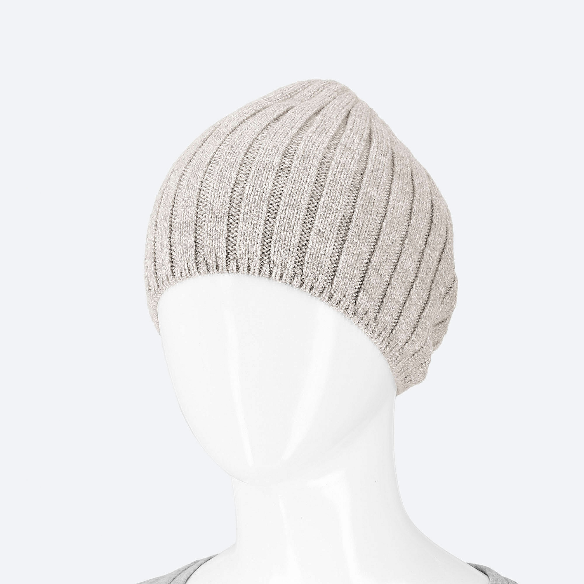 c4fee99b9ad Uniqlo WOMEN HEATTECH KNITTED BEANIE HAT at £7.9
