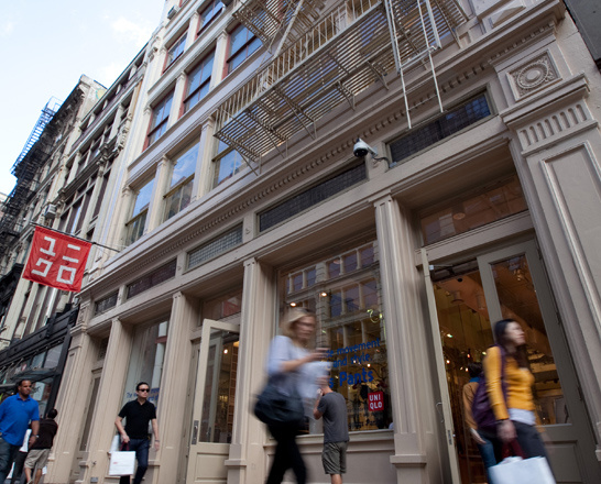 Best Shopping in SoHo While Fifth Avenue and Madison Avenue are certainly the best destinations for upscale shopping, no neighborhood in New York mixes cheap and expensive, hip and classic, vintage and modern quite like SoHo.