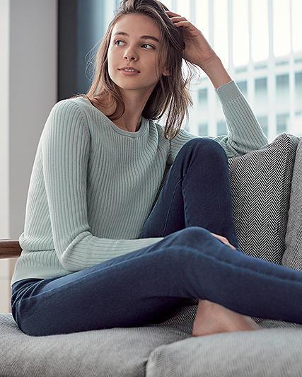 women's EZY jeans