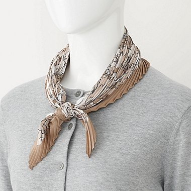 WOMEN Silky Pleated Scarf (Leaf)