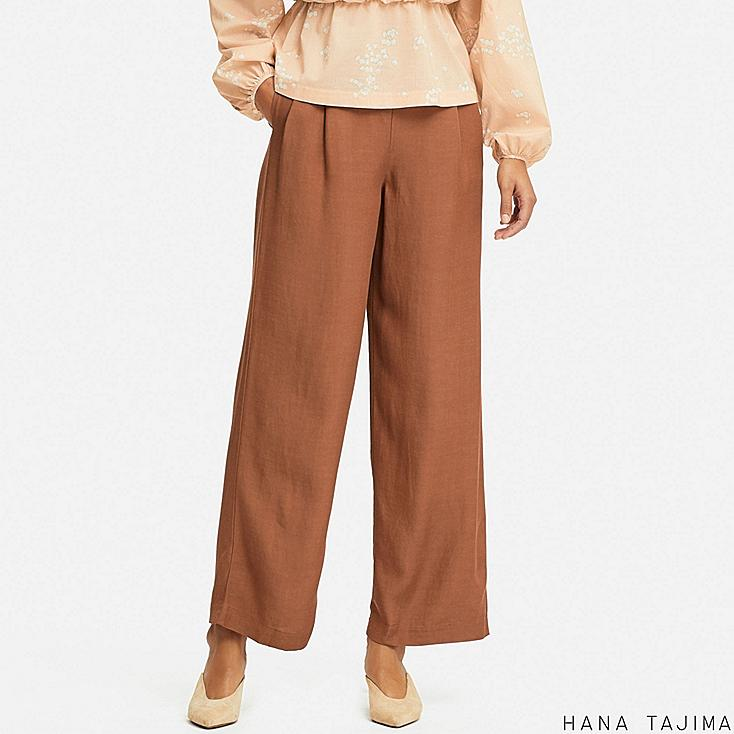 women tuck relaxed wide pants