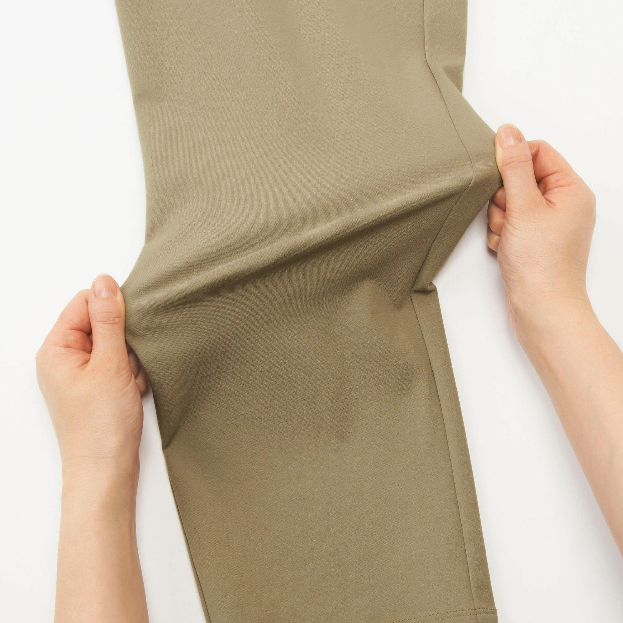 Super stretchy jersey knit material expands in all directions