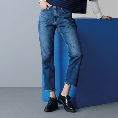 shop by feature - high rise straight  fit jeans - link to section